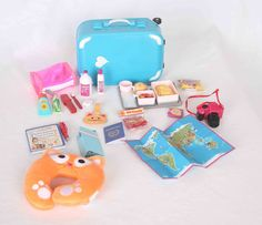 My Journey Girls Dolls Adventures: Journey Girls Roller Bag Barbie Doll Set, Doll Clothes Barbie, Barbie Toys, Girl Dolls, American Girl Doll Room, American Girl Crafts, American Girl Clothes, American Girl Furniture, My Life Doll Accessories