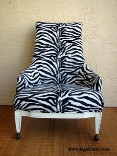 bedroom throne