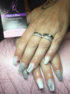 Nails, Beauty, Minimalist Nails, Rhinestones, Finger Nails, Ongles, Beauty Illustration, Nail, Nail Manicure