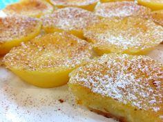 Queijadinhas de leite Sweet Recipes, Cake Recipes, Snack Recipes, Cooking Recipes, Portuguese Desserts, Portuguese Recipes, Portuguese Food, Mantecaditos, Beignets