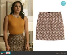 H&M Patterned Skirt in Light Beige/Patterned worn by Veronica Lodge (Camila Mendes) on Riverdale Veronica Lodge Outfits, Veronica Lodge Fashion, Fashion Tv, Fashion Outfits, Riverdale Veronica, Looks Teen, Riverdale Fashion, Tv Show Outfits, Moda Vintage