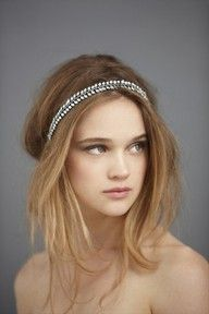 Love this soft messy do with headband