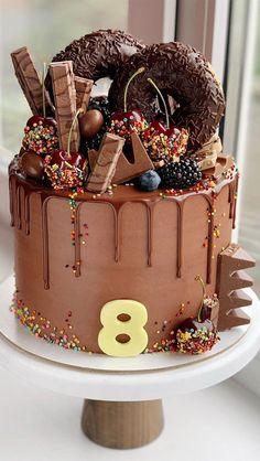 Chocolate Birthday Cake Decoration, Candy Birthday Cakes, 18th Birthday Cake, Beautiful Birthday Cakes, Birthday Cake Decorating, Chocolate Drip Cake Birthday, Birthday Cake Designs, Birthday Cake Recipes, Nutella Birthday Cake