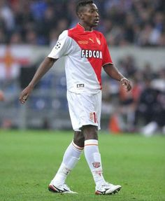 Shabani Nonda of AS Monaco in As Monaco, Football, 2000s, Sports, Mens Tops, T Shirt, Soccer, Hs Sports, Supreme T Shirt