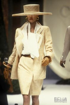 80s Fashion, Modern Fashion, Fashion Brands, Vintage Fashion, Fashion Design, Vintage Style, Christian Dior Designer, Christian Dior Vintage, Classic Suit