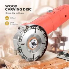 Wood Carving Chain Disc This Carving Chain Disc takes the muscle work out of cutting, carving, removing and sculpting of wood, plastics, ice and hard rubber with its speed and maneuverability! Electric Chainsaw, Wood Carving Tools, Chainsaw Wood Carving, Wood Carving Designs, Garage Tools, Angle Grinder, Kids Wood, Home Repair, Diy Tools