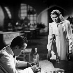 Ingrid Bergman and Humphrey Bogart in Casablanca (1942) Ingrid Bergman, Humphrey Bogart, Bob Fosse, Film Casablanca, Casablanca Quotes, Martin Scorsese, Classic Hollywood, Old Hollywood, Planet Hollywood