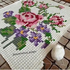 Interesting Image 🏆 Thank for your Crochet Square Patterns, Crochet Blocks, Cross Stitch Patterns, Crochet Doily Rug, Crochet Home, Filet Crochet, Cotton Crochet, Cross Stitch Rose, Cross Stitch Flowers