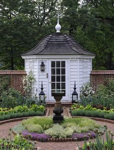 """And this gorgeous hexagon-shaped shed, which sits on the edge of an award-winning garden: 19 Gorgeous """"She Sheds"""" That You'll Want To Retreat To ASAP Backyard Sheds, Outdoor Sheds, Outdoor Spaces, Garden Sheds, Shed Building Plans, Shed Plans, Building Homes, Building Design, Shed Construction"""