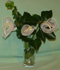OK kytka 3 - fotoalba uživatelů - Dáma. Bobbin Lace, Glass Vase, Ideas, Decor, Lace Flowers, Photos, Patterns, Projects, Decoration