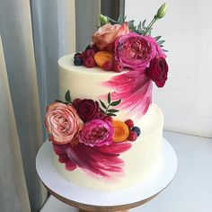 """We have collection of stunningly beautiful cake decorating to help inspire your baking passions and delight to the guest of honor. Take a look at the gallery board """"Cake Designs"""" Gorgeous Cakes, Pretty Cakes, Cute Cakes, Amazing Cakes, Bolo Floral, Floral Cake, Cake Mix Cookie Recipes, Cake Decorating Techniques, Decorating Cakes"""