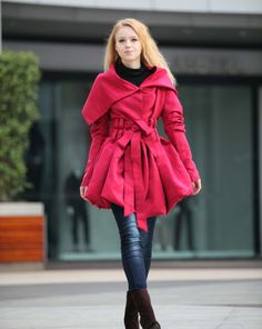 Rose Red Kapuzenjacke Fluffy Artificial Suede von Sophiaclothing, $139.99