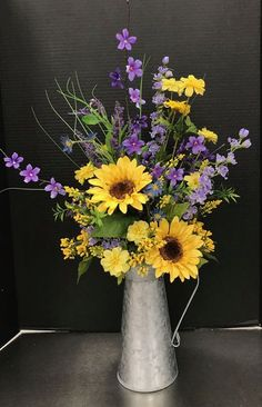Did you know? - bouquets of flowers, flower arrangements! - # flower bouquets # flower arrangements - Did you know? – bouquets of flowers, flower arrangements! Sunflower Floral Arrangements, Spring Flower Arrangements, Sunflower Vase, Sunflower Centerpieces, Silk Arrangements, Garden Types, Diy Garden, Summer Flowers, Beautiful Flowers