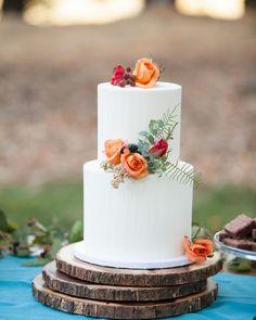 "11k Likes, 49 Comments - The Knot (@theknot) on Instagram: ""Mondays call for cake! 🍰 #theknot 📷: @michellewalkerphoto | Florals: @shotgunfloralstudio |…"""