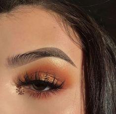 25 Pretty Makeup Looks to Try in 2019 Eye Makeup, Fall Makeup, Makeup Art, Beauty Makeup, Drugstore Makeup, Makeup Goals, Makeup Inspo, Makeup Inspiration, Makeup Tips