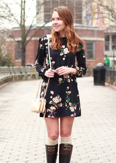 Joules_Bow_Rainboots_Floral_Shift_Dress_4