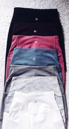Yoga clothes running gear Yoga clothes running gear leggings sportwear lululemon The post Yoga clothes running gear appeared first on New Ideas. Mode Outfits, Trendy Outfits, Fashion Outfits, Trendy Fashion, Cute Gym Outfits, Travel Outfits, Sport Fashion, Fashion Styles, Fashion Clothes
