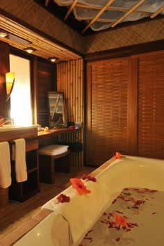 Run yourself a romantic bath at Intercontinental Le Moana Bora Bora
