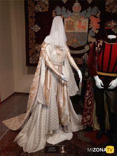 Galería de fotos: Exposición – Los trajes de la serie - Isabel. Traje de novia.