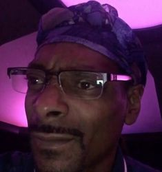 Snoop Dogg calls Kanye West 'crazy' after the rapper's latest onstage rant Funny Reaction Pictures, Meme Pictures, Meme Faces, Funny Faces, Stupid Funny Memes, Funny Relatable Memes, Reaction Face, Response Memes, Current Mood Meme