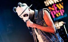 """Kennt ihr den Song """"Ein Teil"""" von Cro? Gefällt er euch? https://www.youtube.com/watch?v=eyqAqsap0qY  Hier könnt ihr ein Interview mit #Cro lesen: http://www.sueddeutsche.de/kultur/cro-im-interview-ich-bin-immer-noch-rapper-1.1989535"""