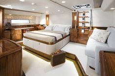 Oyster 100 Serafin master cabin #theyachtownernet #sailing #luxury