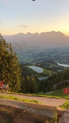 Ein wunderschöner Start in einen neuen Tag! Mountains, Videos, Nature, Travel, New Day, Sunrise, Vacation, Nice Asses, Naturaleza
