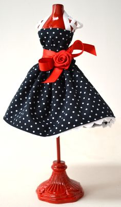 Polka dots -- so cute! think I might have found myself a new hobby ....