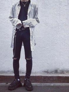 Korean Fashion Men, Best Mens Fashion, Korean Street Fashion, Boy Fashion, Fashion Outfits, Fashion Skirts, Fashion Socks, Fashion Fall, Fashion Trends