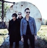 Martin Gore, Dave Gahan et Andy Fletcher du groupe Depeche Mode sont en pleine effervescence pour leur 13ème album, Delta Machine, qui conjugue laudace et la créativité qui ont fait le succès de Violator et de Songs of Faith and   - Depeche Mode : Delta Machine conjugue audace et créativité