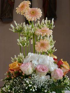 Altargesteck Hochzeit in Peach, Apricot mit Rosen