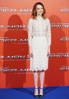 Emma Stone lace dress red carpet