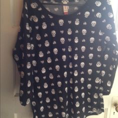 Cute skull thermal shirt xl Very cool skull thermal shirt. Great under a shirt or hoodie or wear it alone. Size xl. Wore once to try on. Never wore out. No Boundaries Tops Tees - Long Sleeve