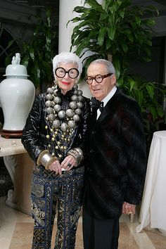 Iris and Carl Apfel | Love her big statement necklace