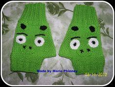 Ravelry: Angry Bird Inspired Fingerless Gloves pattern by Marie Phinney