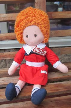 Evan and Lauren's Cool Blog: 7/19/12: Annie at the North Shore Music Theatre My doll from 1977 attending.