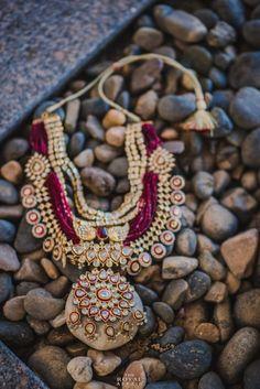 Kundan jewellery with marsala beads with diamonds Kids Jewelry, Cute Jewelry, Boho Jewelry, Bridal Jewelry, Jewelry Design, India Jewelry, Statement Jewelry, Jewelry Model, Jewelry Stand
