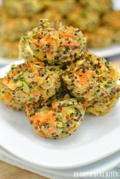Veggie Quinoa Baby Bites | A healthy and easy recipe perfect for baby led weaning, toddler & kid-friendly meals or snacks. They are also very versatile, customizable and portable, making them excellent choice for ready-made breakfasts, lunches or dinners. | beckysbestbites.com