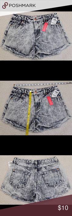 NWT Juniors Acid Wash Vintage Denim Cheeky Shorts NWT Juniors Charlotte Russe Refuge Acid Wash Vintage Denim Cheeky Shorts Size 8 Charlotte Russe Shorts Jean Shorts