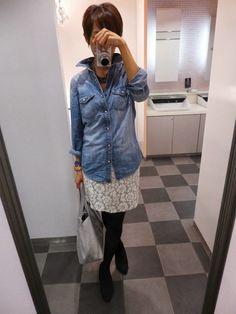 ここのところボーイッシュな服が続いていたから、今日は女子な感じで。  Shirt/GAP Bottoms/JOURNAL STANDARD Bag/JOURNAL STANDARD Shoes/Dhyana  デニムとレースの甘辛ミックス  I've been styling and lace denim today. Style Me, Denim, Jackets, Shoes, Women, Fashion, Down Jackets, Zapatos, Moda