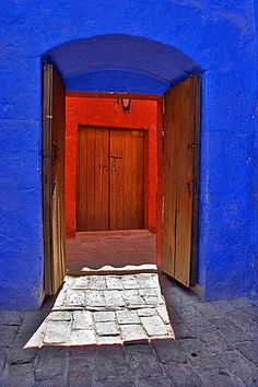 monasterio #doors #blue #red