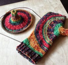 Knitting and so on: Circles Mitts
