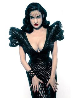 7b3889031 Francis Bitonti Studio Collaborated with Michael Schmidt Studios and  Shapeways to create a fully articulated printed gown designed specifically for  Dita Von ...