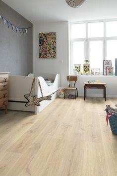QuickStep Creo Tennessee Oak Light Wood Laminate Flooring, 7 mm