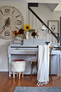 Chalk painted piano, favorite paint to use and some tips!