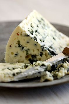 Roquefort - The cheese is white, tangy, crumbly and slightly moist, with distinctive veins of green mold, made from sheep milk - France. Fromage Aop, Fromage Cheese, Queso Cheese, Wine Cheese, French Cheese, Artisan Cheese, Cheese Lover, Homemade Cheese, Cheese Platters
