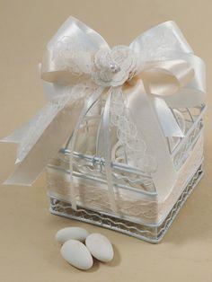 Per un matrimonio elegante e shabby copia le idee dello shop Guerrini! Acquista online all'ingrosso tutto l'occorrente e accessori.
