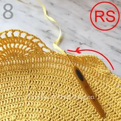 Get free beach tote crochet pattern in beautiful giant shell stitch design. Crochet with exotic straw raffia yarn, perfect for summer & beach activity. Crochet Pattern Free, Crochet Gratis, Crochet Tote, Crochet Patterns, Crochet Beach Bags, Tote Pattern, Stitch Design, Crochet Projects, Purses And Bags