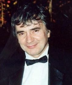 """Dudley Moore (April 19,1935 – March 27,2002 - Age 66) An English actor, comedian, musician and composer.His solo career as a comedy film actor was heightened by the success of hit Hollywood films, particularly Foul Play, '10' and Arthur. He received an Oscar nomination for the latter. Cause of Death: Pneumonia, secondary to immobility caused by Palsy. His final words reportedly were """"I can hear the music all around me"""". #RIP"""
