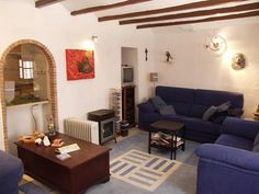 Oliva for 80k. Great townhouse for sale. Three bedrooms, a couple of bathrooms and a great roof terrace